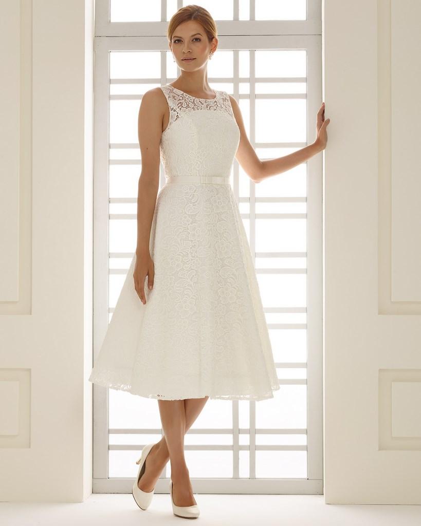 Robe de mariee courte strass